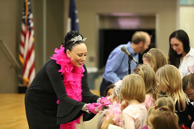 In honor of the brand new Fancy Nancy animated series on @disneyjunior, we're sharing a few photos from the magical Fancy Nancy soirée— @robinglasser's very last tour stop!—Houston fans enjoyed earlier this year. Congrats to all involved. This is an undeniably beloved series!