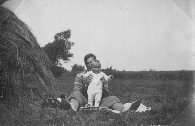 Pal and daughter 3.JPG