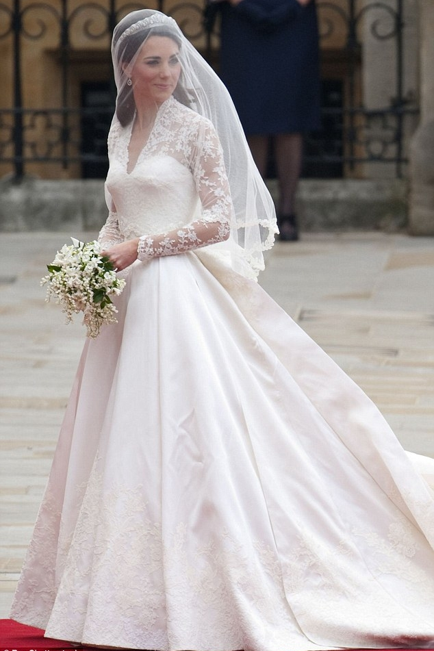 most-iconic-wedding-dresses-including-kate-middletons-gown-and-kate-middleton-wedding-dress-l-e6d8aea3988acdb8.jpg