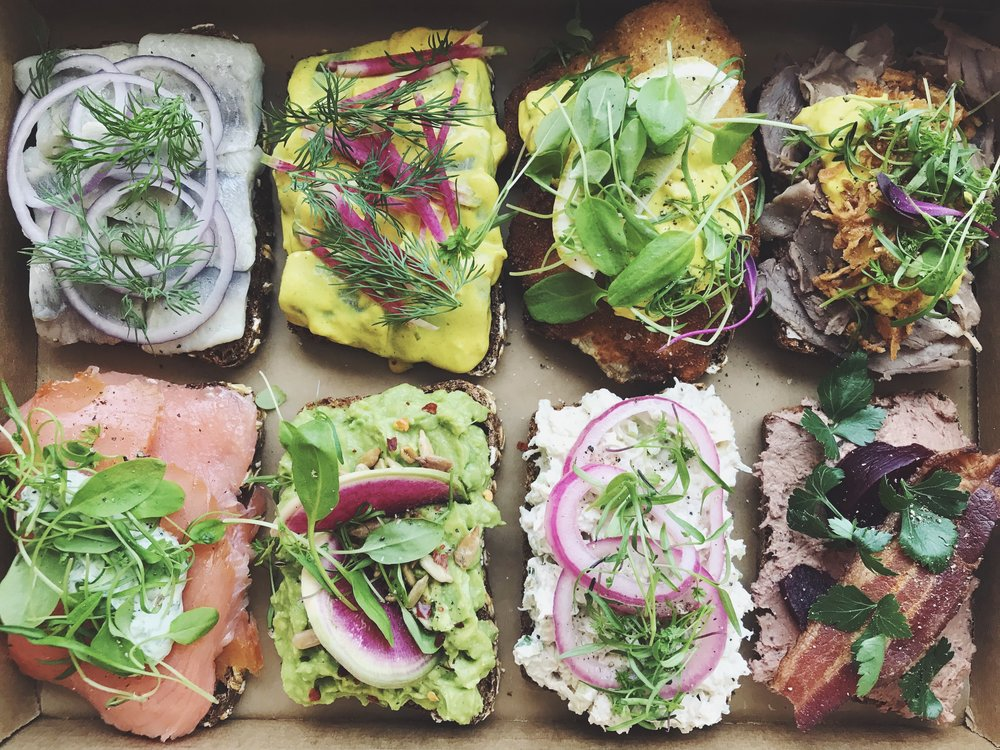 Corporate Catering Program - We figure that office lunches may become pretty boring once in a while. we are here to change that. with constant changes to our menu and offerings we'll make sure something new arrives each time.