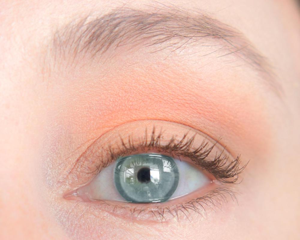 lsp-3-eyeshadows-open.jpg