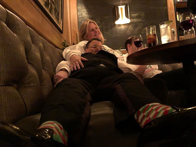 🎬...and that's a wrap 2018 #showbiz  w/ @bridgeteverett @champagne_jerry at @joespub 📸 @carminecovelli #holidaysocks #spanxformen #resist #2019 #heready