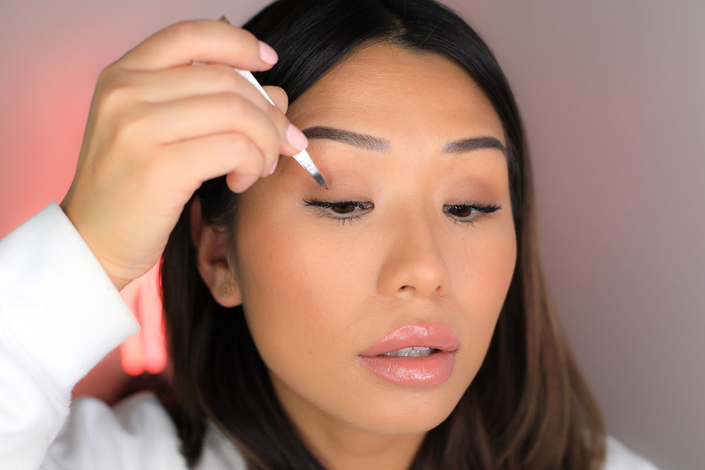Additional Step  - For extra volume, use a tweezer and apply on 5-10 individual short lashes on each eye this will give you that extra volume but still looks super natural.
