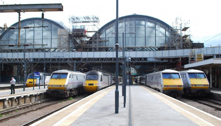 isobritannia-kings_cross_station_8074612104.jpg