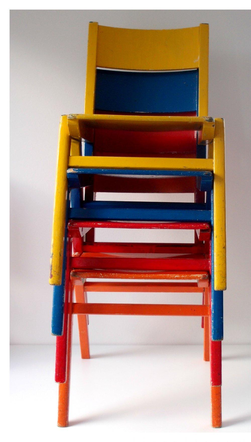 Kinderstühle.jpg