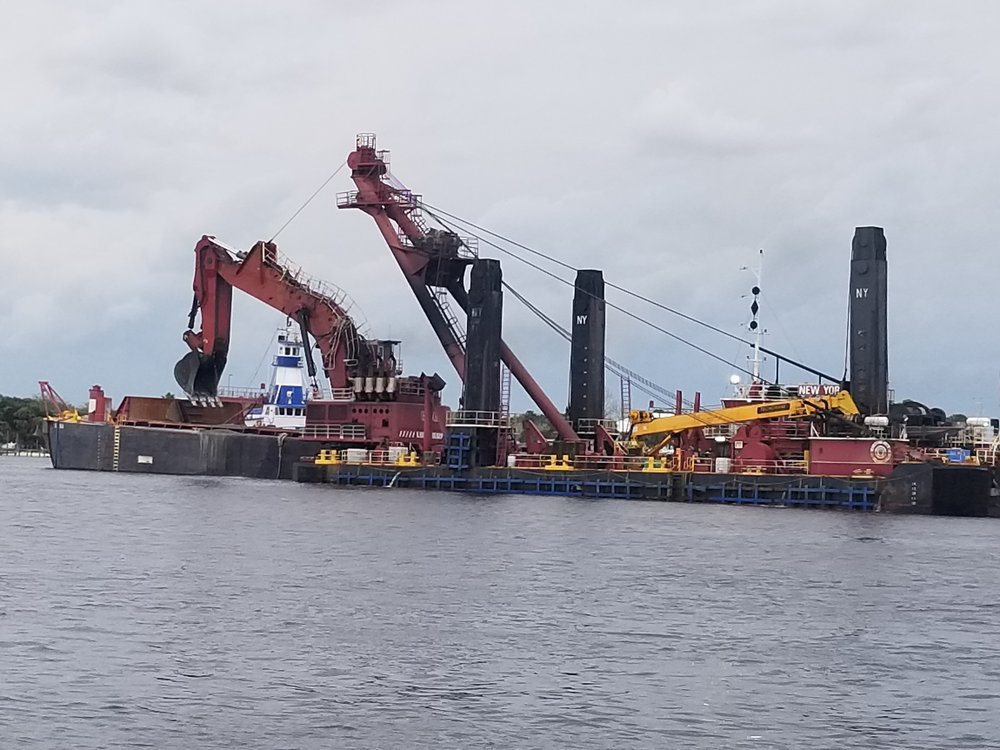 Check out the trencher on this dredge!
