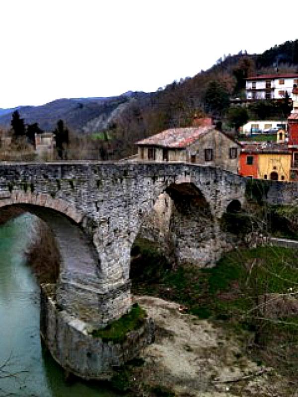 mercatello river resized