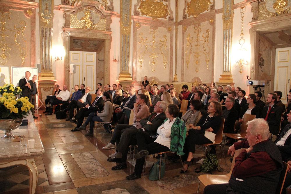 Die Präsentation der Mobilitätsatelier-Ergebnisse vor versammeltem Publikum.