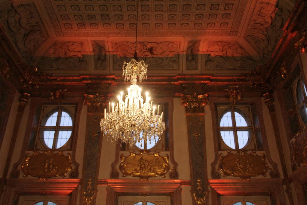 Der prunkvolle Marmorsaal im Schloss Mirabell.