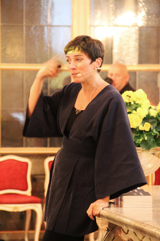 Dr. Elisabeth Oberzaucher bei ihrem Auftaktreferat.