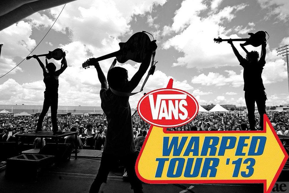 แบรนด์สินค้ารองเท้ายอดฮิตอย่าง Vans คือแบรนด์ที่บุกเบิกการเซ็นสัญญากับศิลปินและต่อยอดเป็นแคมเปญคอนเสิร์ตยอดฮิตอย่าง Vans Warped Tour