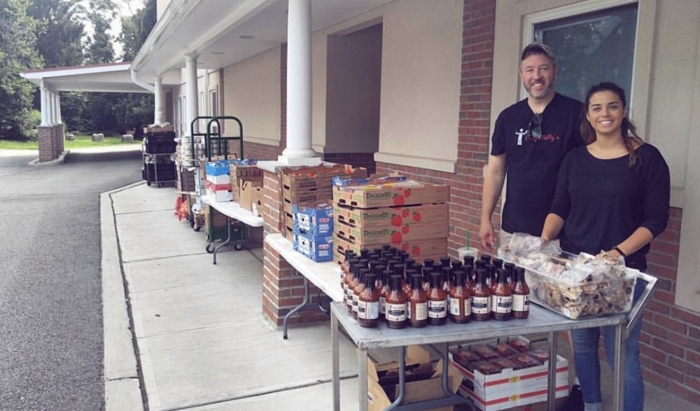 Daddy Matty's donating meals and sauce at the Interfaith Food Pantry of Morris County