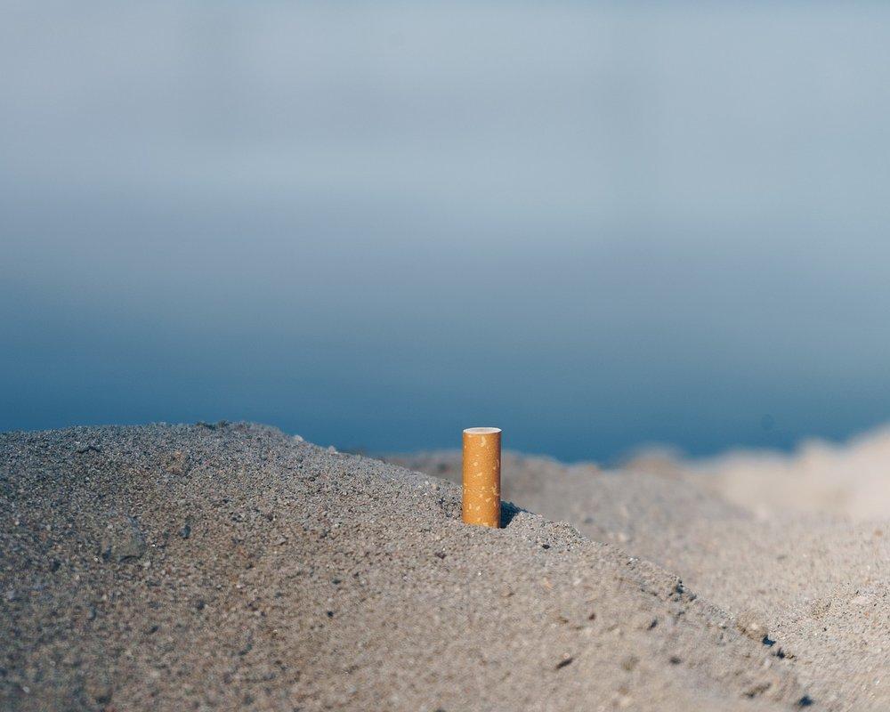 cigarette-2817163_1280.jpg