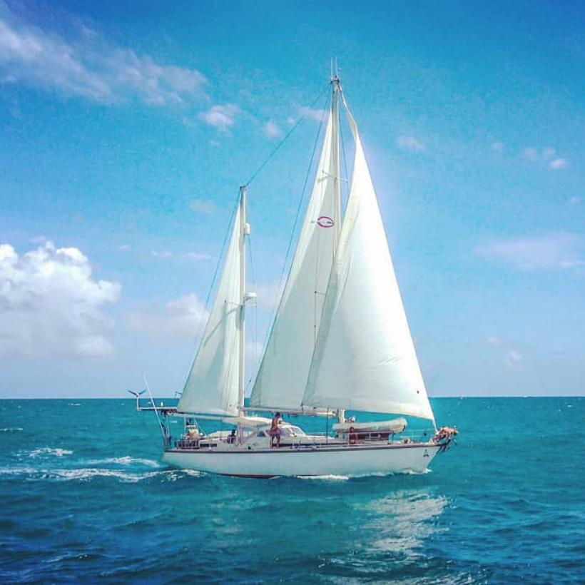 S/V Delos - Sailing