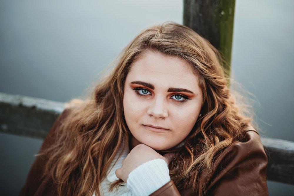 wichita kansas senior, natural light, shannon schneider photography