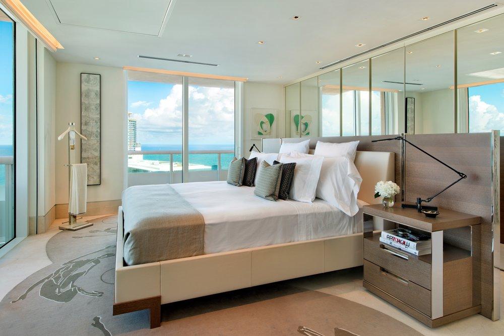 09-Master_Bedroom.jpg