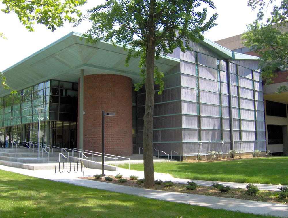 U of L Ekstrom Library Library.JPG