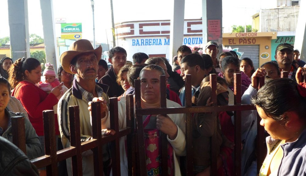 Triage Crowd – Waiting for a chance to be treated – Jalapa, Guatemala 2013