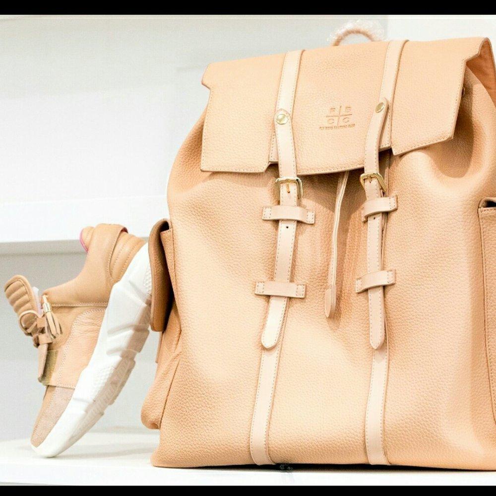 bag and vv1.jpg
