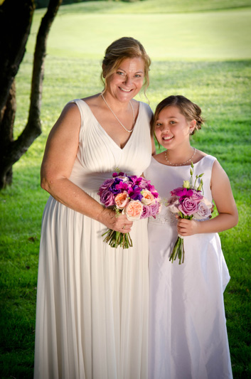 bride bouquet peach lavender purple at Stonebridge golf club