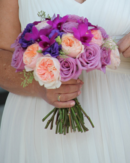 bride bouquet in lavender peach purple at stonebridge golf club