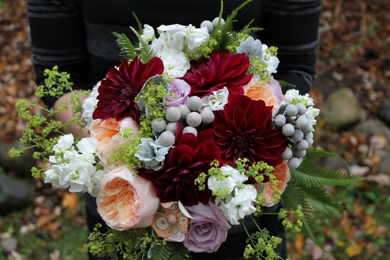 cobblestone farm autumn wedding flowers