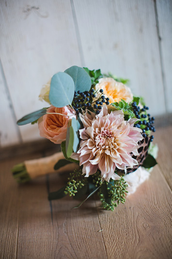 blush and peach wedding flowers