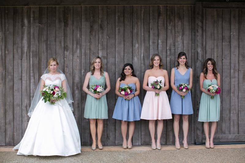 spring wedding flowers in fuchsia, peach, ivory