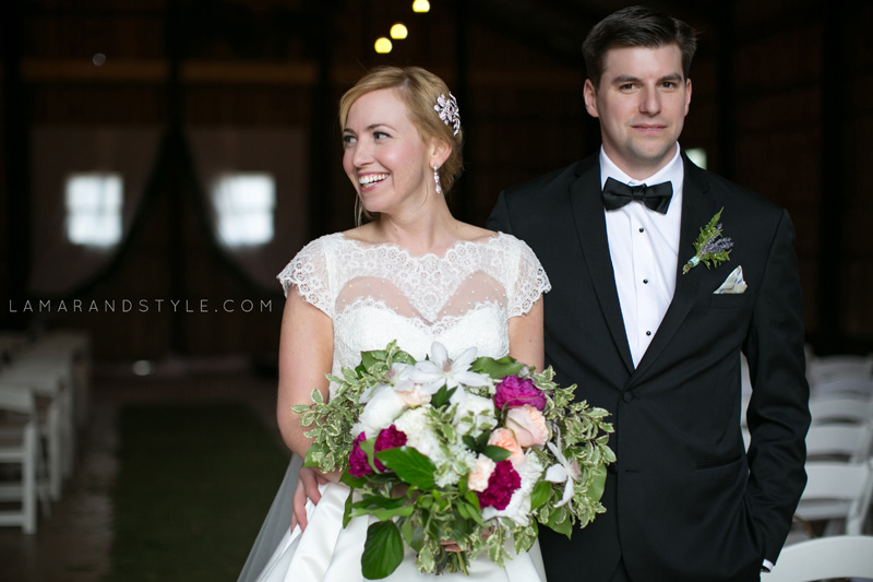 spring wedding at cottonwood barn
