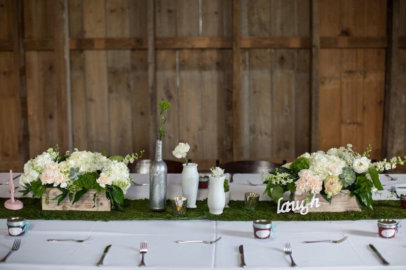 Michigan barn wedding flowers