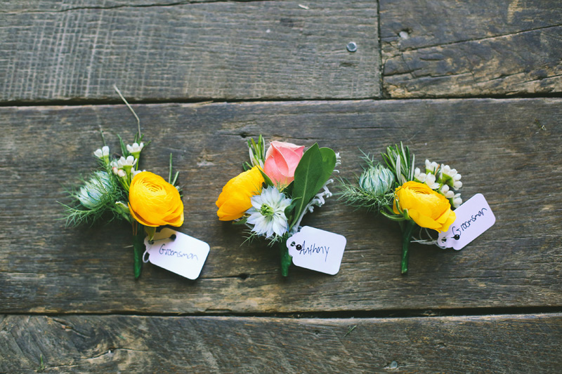 boutonnieres at misty farm wedding