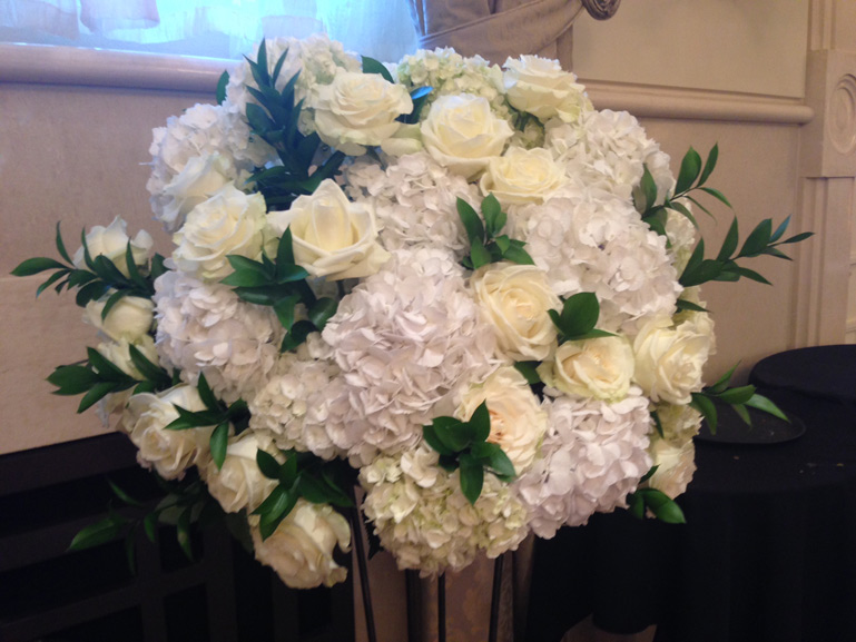 white roses and hydrangea wedding flowers inn at st johns plymouth