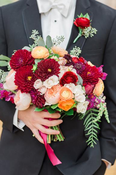 brides autumn bouquet in burgundy blush orange