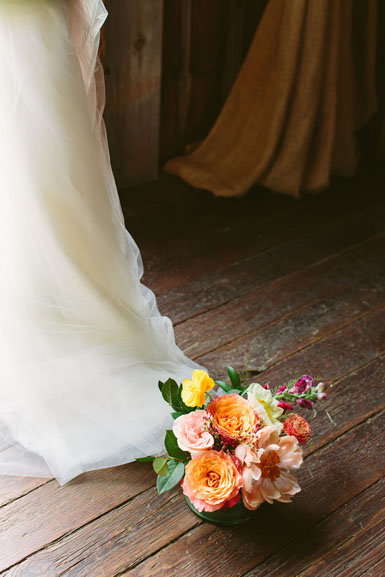 misty farm spring wedding bride's bouquet
