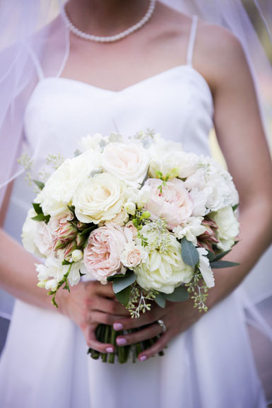 bridal bouquet of ivory and blush pink garden roses