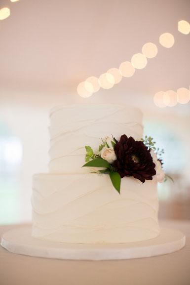 burgundy dahlia cake flowers