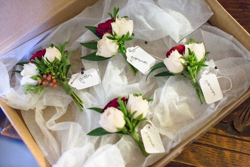groom and groomsman boutonnieres