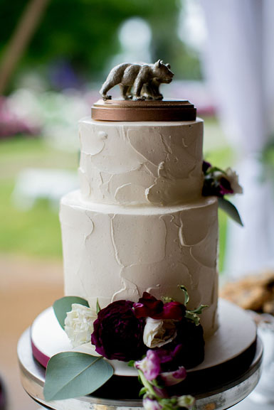 earhart manor wedding cake