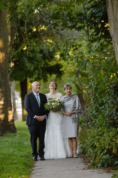 bride with parents in ann arbor