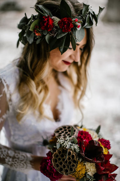 wedding flowers in winter holiday red