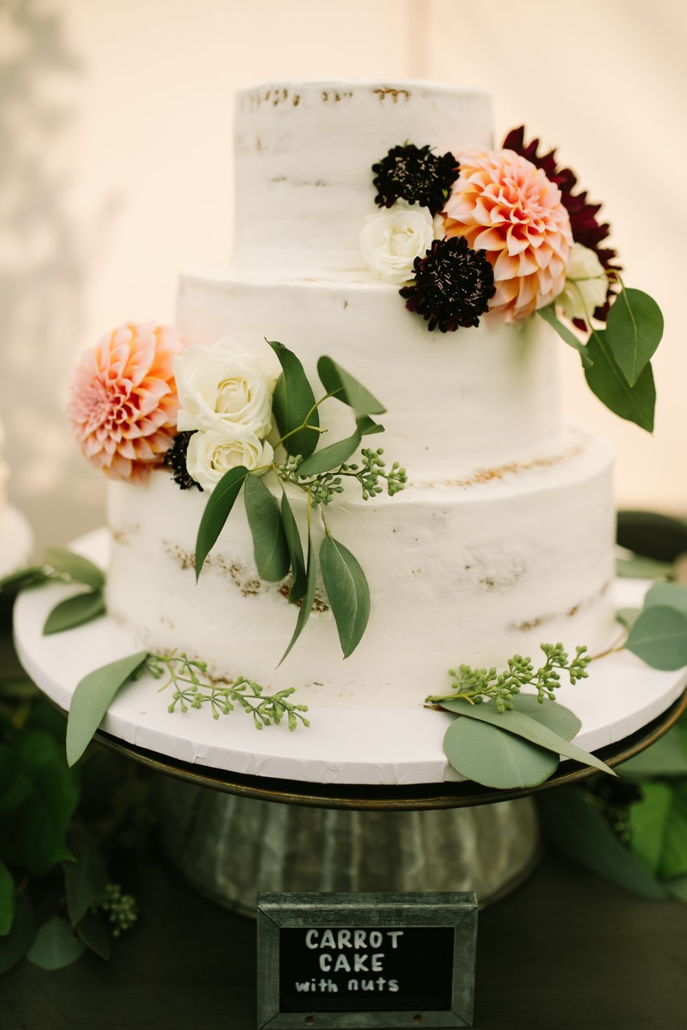wedding cake dahlia decor