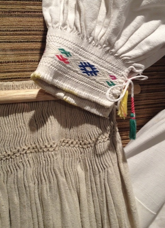 Embroidery%2Bdetail-sm.jpg