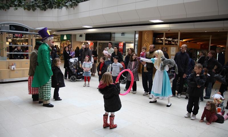 Shopping mall entertainment