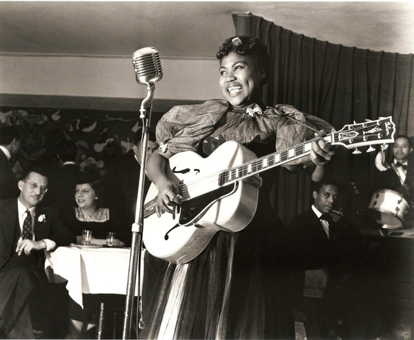 Before Elvis? Sister Loretta Tharpe plays guitar