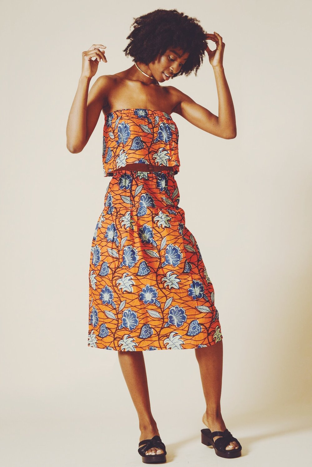 Rhumaa collaborates with talented artists from developing countries, like South Africa to create beautiful collections that combine local artwork with fashion design