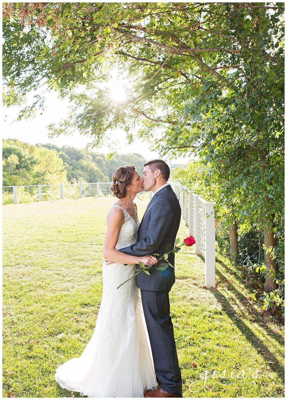 Gosias-Photography-Appleton-wedding-photographer--courthouse-ceremony-reception-Riverview-Gardens-_0030.jpg