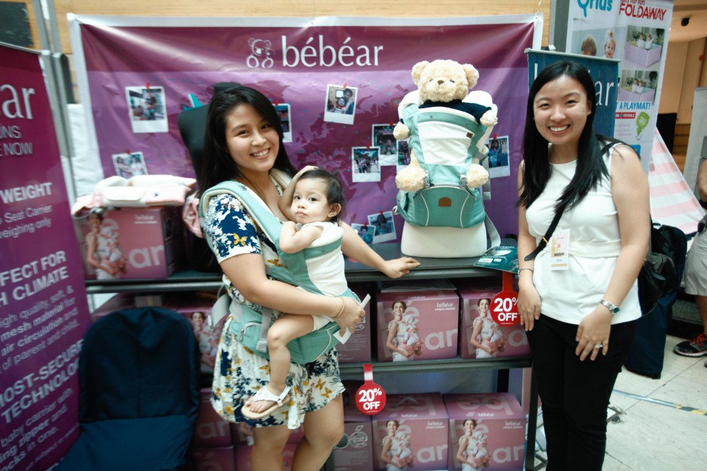 Bebear 5-in1 Mesh Hip Seat Carrier is safe, lightweight, and convenient. A multifunctional carrier, it can be used for babies from four to 36 months.