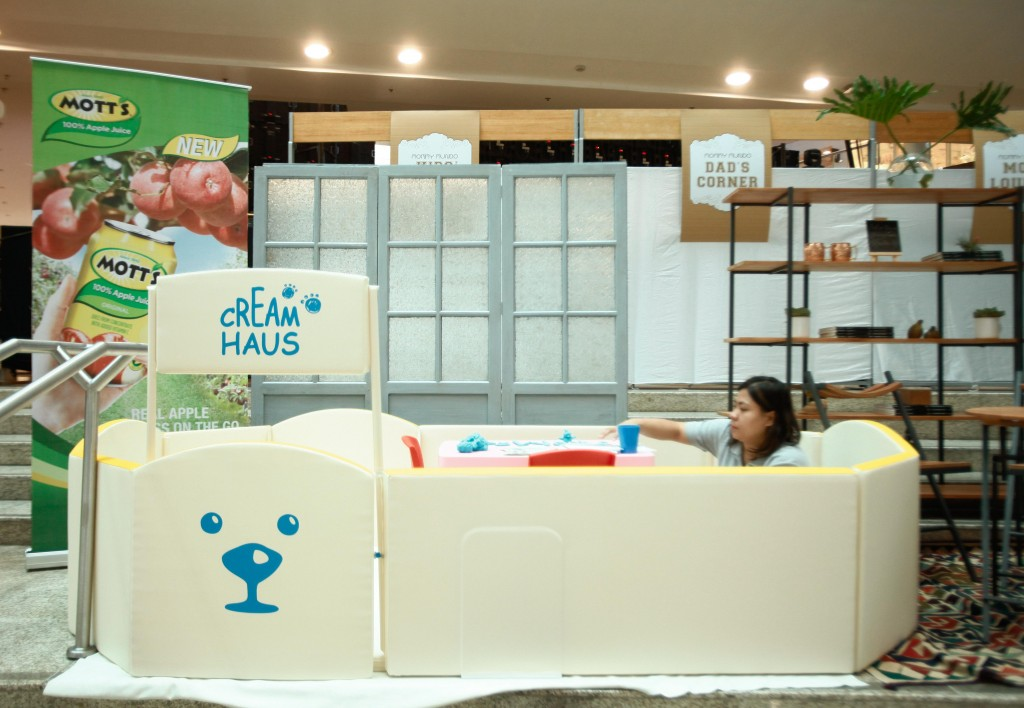 The play area was courtesy of Cream Haus, a Scandinavian brand of play mats that protects babies from allergens and pollutants.