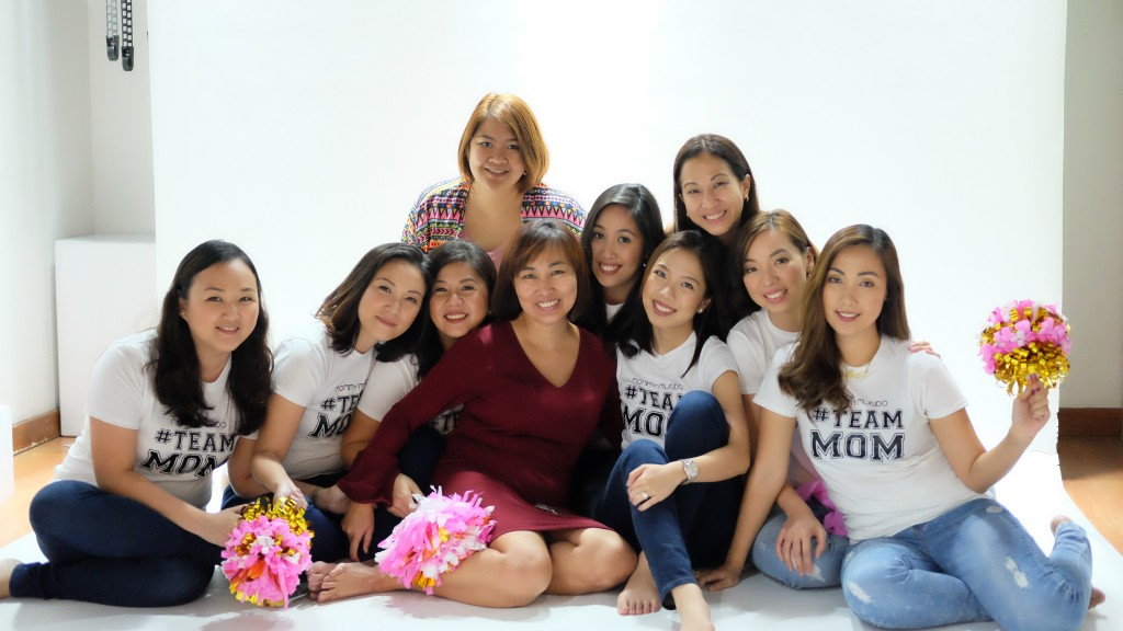 The Mommy Mundo Team joins the mompreneurs for one last shot! Cheers to #TeamMoms!