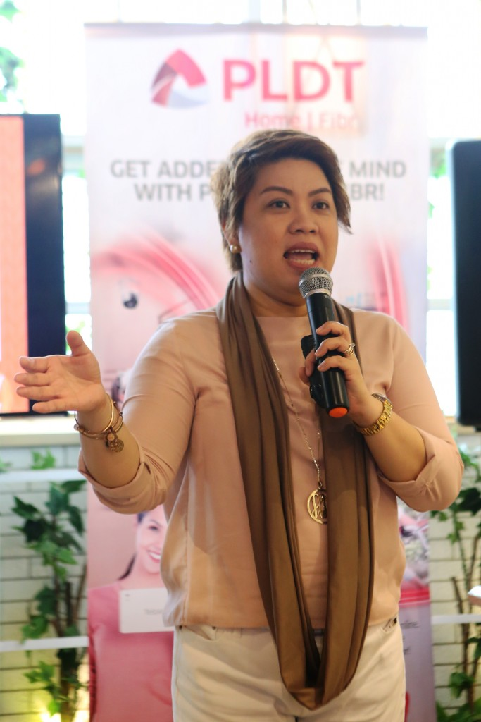 The Mindful Mom Re-Treat by Mommy Mundo and PLDT Home Fibr was facilitated by psychologist, author, and super mom Michele S. Alignay.